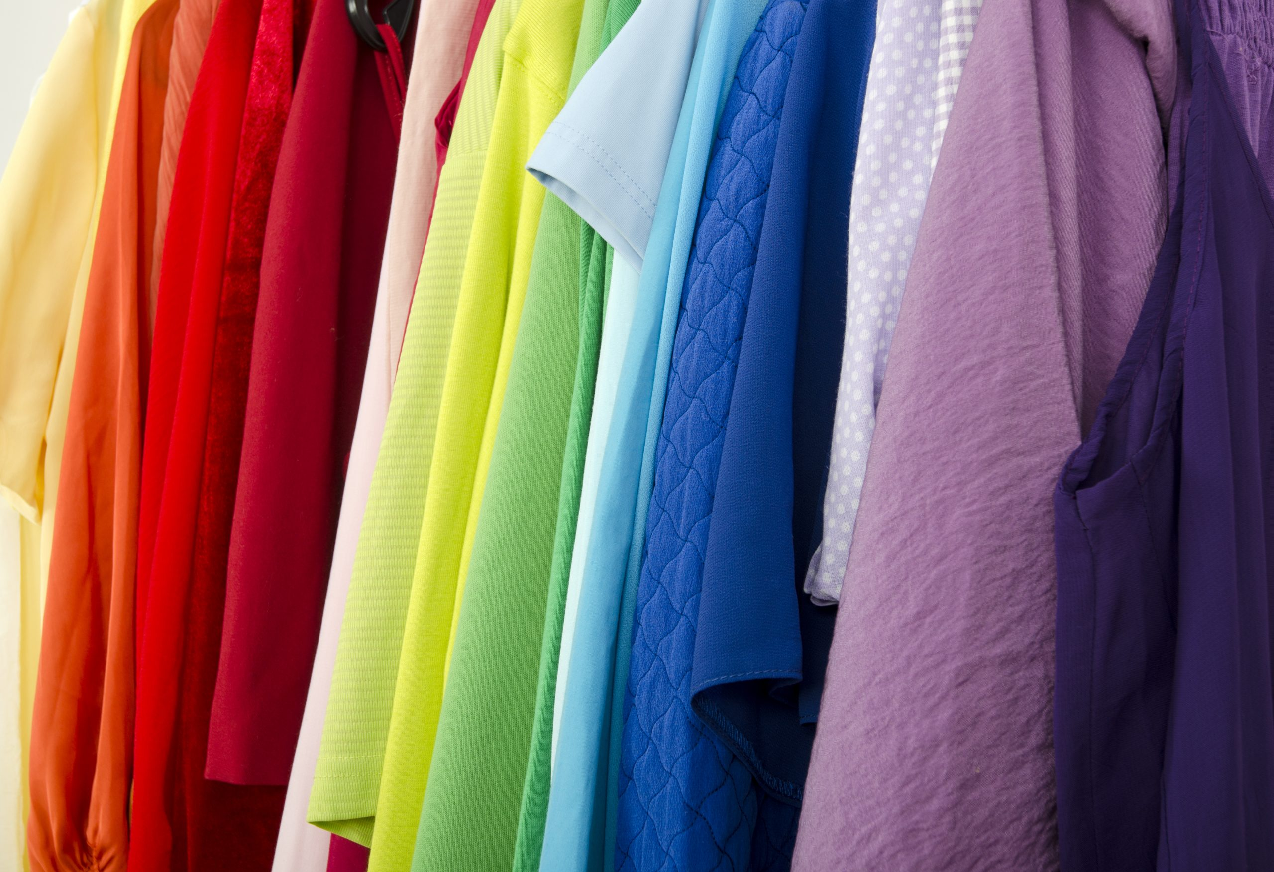 Should You Organize Your Closet By Color Closetworld,How Big Is A King Size Bed